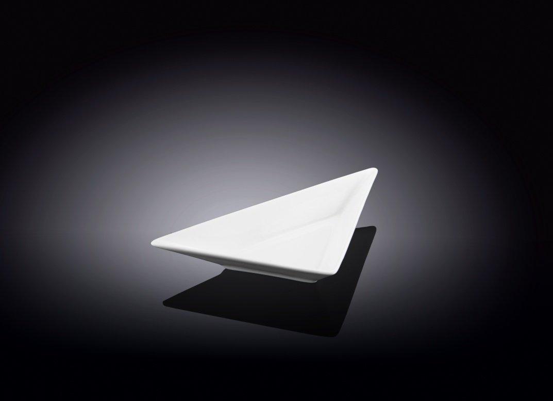 Блюдо Wilmax треугольное  18,5 см